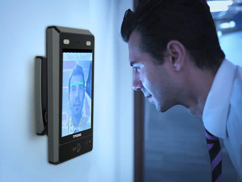کاربرد تشخیص چهره در تایید هویت افراد